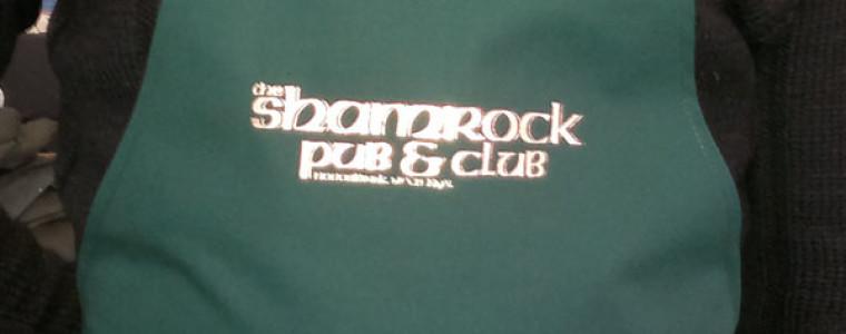 Нанесение логотипа на фартук SHAMROCK PUB & CLUB